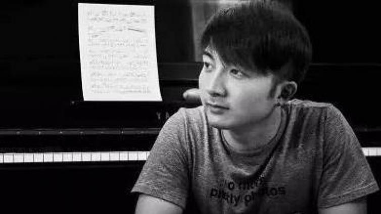 【流行歌曲→钢琴独奏】右手弹旋律的时候,左手该弹啥?| 小冰流行钢琴37